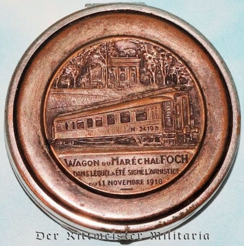 PILL/SNUFF BOX DEPICTING FRENCH RAILWAY CAR USED FOR GERMANY'S WW I SURRENDER - Imperial German Military Antiques Sale