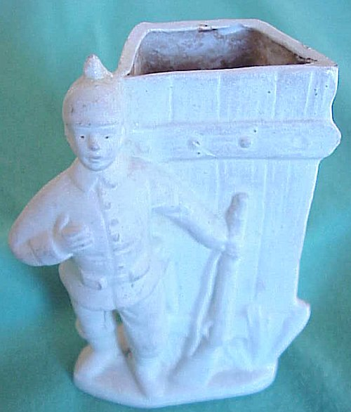 VASE WITH A SOLDIER ON IT - Imperial German Military Antiques Sale