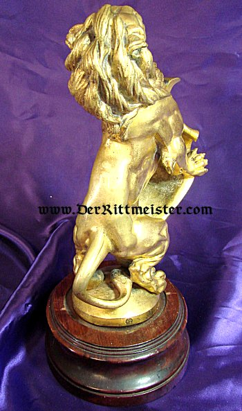 STATUE OF A RAMPANT LION - BAVARIA - Imperial German Military Antiques Sale