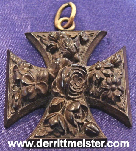 DECORATIVE HAND CARVED WOODEN IRON CROSS - Imperial German Military Antiques Sale