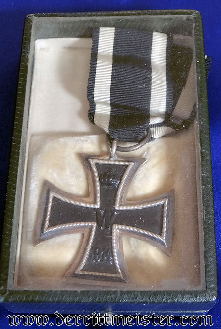 1914 IRON CROSS 2nd CLASS WITH SPECIAL GLASS-TOPPED DISPLAY CASE/FRAME - Imperial German Military Antiques Sale