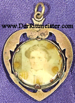 PATRIOTIC LOCKET - SOLDIER