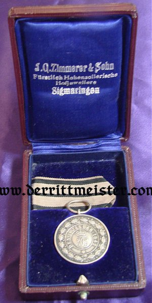 HOUSE SILVER SERVICE MEDAL - ORIGINAL PRESENTATION CASE - HOHENZOLLERN - Imperial German Military Antiques Sale