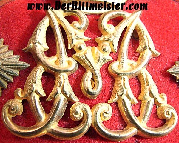 PAIR OF PRINZ FRANZ OF BAVARIA'S EPAULETTES - REGIMENTAL COMMANDER AND OBERST - INFANTERIE-REGIMENT Nr 2 - BAVARIA - ORIGINAL STORAGE CASE - Imperial German Military Antiques Sale