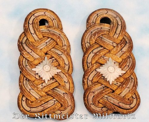 KAISERLICHE MARINE PAIR OF VIZEADMIRAL'S SHOULDER BOARDS - Imperial German Military Antiques Sale