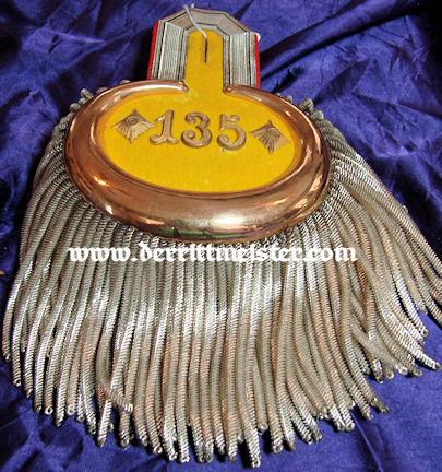 PAIR OF EPAULETTES - OBERST/COMMANDING OFFICER - INFANTERIE-REGIMENT Nr 135 - ORIGINAL STORAGE BOX - PRUSSIA - Imperial German Military Antiques Sale