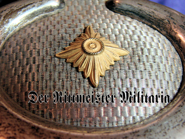 PAIR OF EPAULETTES - GENERALLEUTNANT a.D. - BAVARIA - Imperial German Military Antiques Sale