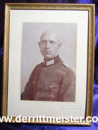 FRAMED PHOTOGRAPH - OFFICER - AWARDEE - 1914 IRON CROSS 1st CLASS - Imperial German Military Antiques Sale
