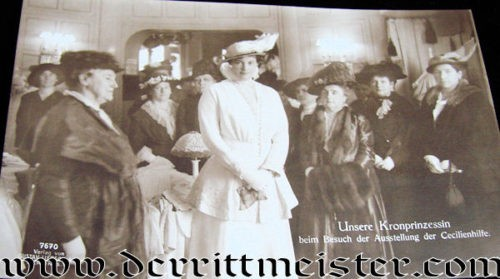 POSTCARD - CROWN PRINCESS AND LADIES FROM A CHARITABLE GROUP - Imperial German Military Antiques Sale
