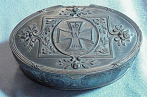 OVAL PATRIOTIC BOX - Imperial German Military Antiques Sale