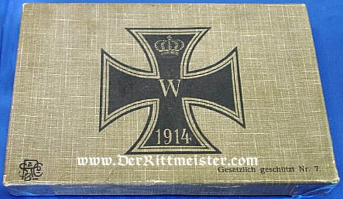 CARDBOARD CARTON WITH 1914 IRON CROSS - Imperial German Military Antiques Sale