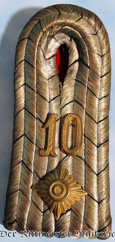 OBERLEUTNANT'S SHOULDER BOARDS FOR JÄGER-BATAILLON Nr 10 OR PIONIER-BATAILLON Nr 10 - PRUSSIA - Imperial German Military Antiques Sale