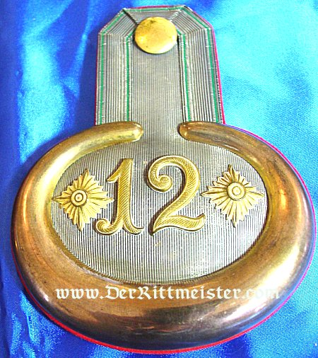 PAIR OF EPAULETTES - HAUPTMANN - INFANTERIE-REGIMENT Nr 12 - SAXONY - Imperial German Military Antiques Sale