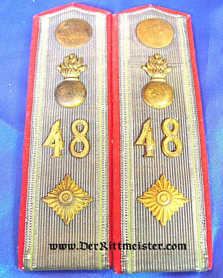 PAIR OF SHOULDER BOARDS FOR AN OBERLEUTNANT - ARTILLERIE-REGIMENT Nr 48 - SAXONY - Imperial German Military Antiques Sale