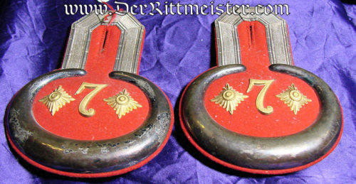 PAIR OF HAUPTMANN EPAULETTES IN ORIGINAL STORAGE BOX - PIONIER-Bataillon Nr 7 - PRUSSIA - Imperial German Military Antiques Sale