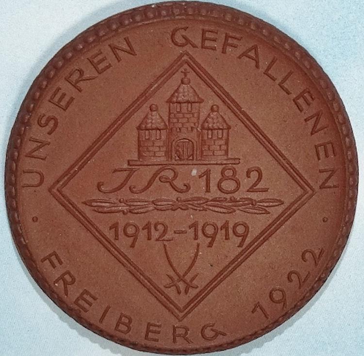 PORCELAIN TABLE MEDAL COMMEMORATING INFANTERIE-REGIMENT Nr 182's SERVICE - SAXONY - Imperial German Military Antiques Sale