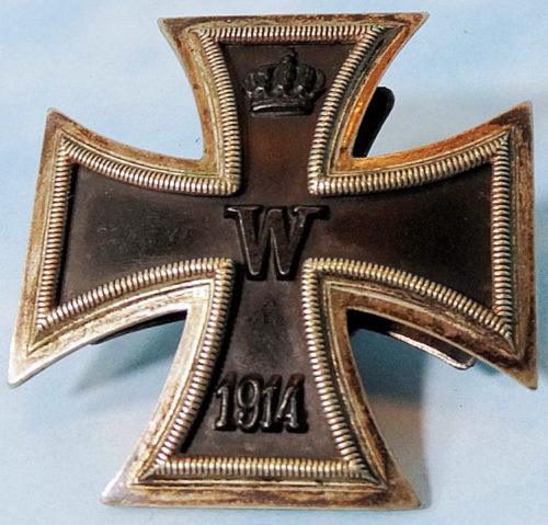 THREE-PIECE SCREWBACK 1914 IRON CROSS 1st CLASS WITH IRON-CROSS-SHAPED BACKING PLATE - Imperial German Military Antiques Sale