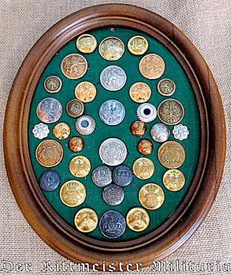 DISPLAY OF VARIOUS STATE COLLAR AND UNIFORM BUTTONS - Imperial German Military Antiques Sale