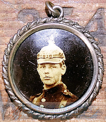 PATRIOTIC PHOTO PENDANT - SOLDIER WEARING PICKELHAUBE - Imperial German Military Antiques Sale