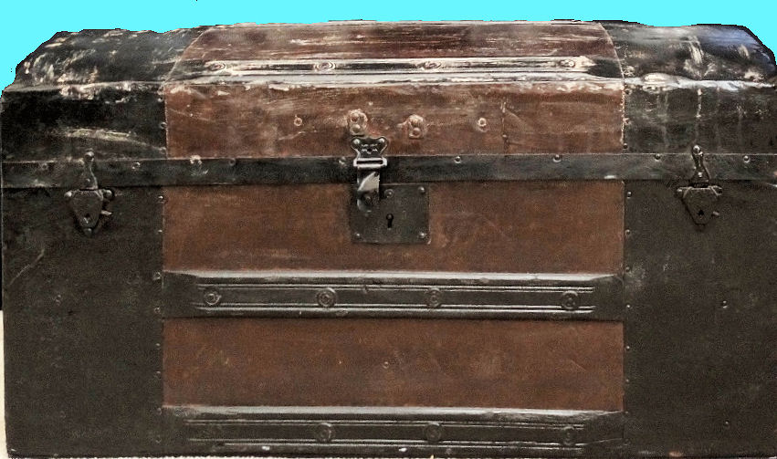 ZEPPELIN-RELATED FOOT LOCKER - Imperial German Military Antiques Sale