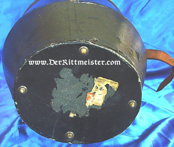STORAGE CASE - PICKELHAUBE AND VISOR CAP - OFFICER - Imperial German Military Antiques Sale