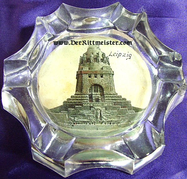 GLASS ASHTRAY FOR THE VÖLKERSCHLACHTDENKMAL IN LEIPZIG - Imperial German Military Antiques Sale