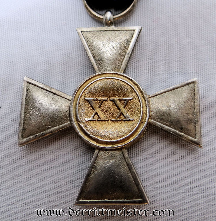 OFFICER'S TWENTY-YEARS LONG-SERVICE MEDAL - Imperial German Military Antiques Sale