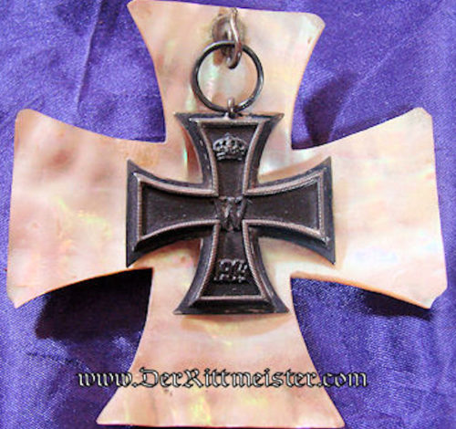 1914 IRON CROSS 2nd CLASS WITH MOTHER-OF-PEARL IRON CROSS-SHAPED BACKGROUND - Imperial German Military Antiques Sale