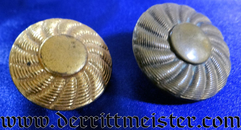 HUSAREN-TUNIC GILT-TONED BUTTONS - Imperial German Military Antiques Sale