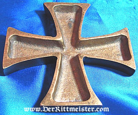 IRON CROSS PAPERWEIGHT - Imperial German Military Antiques Sale