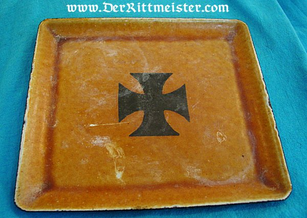 METAL SERVING TRAY FEATURING IRON CROSS - Imperial German Military Antiques Sale