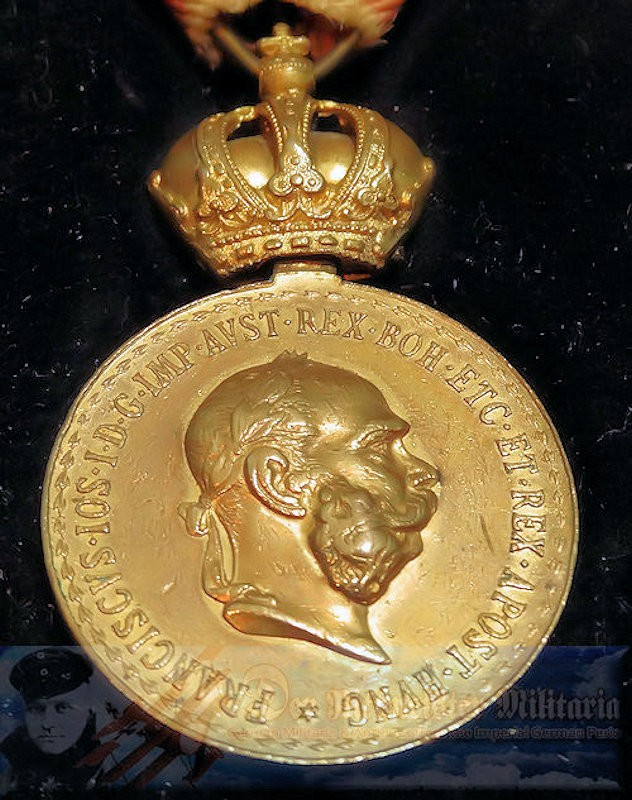 AUSTRIA - SERVICE MEDAL - ORIGINAL PRESENTATION CASE - Imperial German Military Antiques Sale