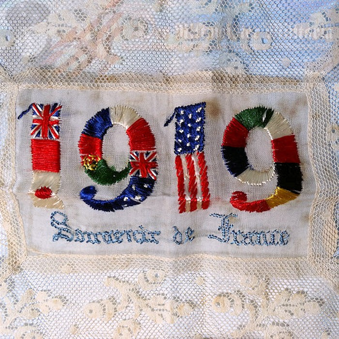PATRIOTIC DOILY/PLACE MAT CELEBRATING WW I ALLIED VICTORY - Imperial German Military Antiques Sale