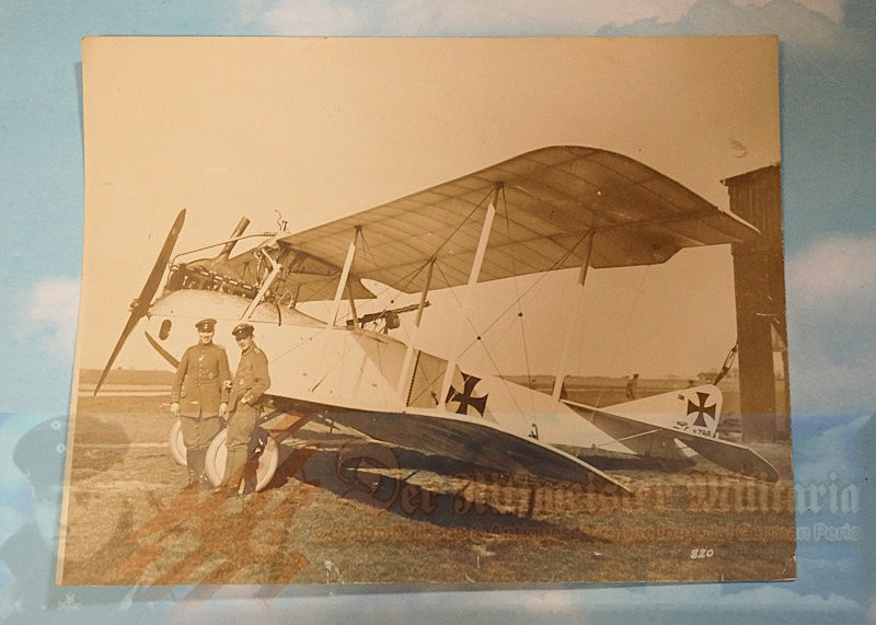 PHOTOGRAPH - D.F.W. OBSERVATION AIRPLANE WITH CREW - Imperial German Military Antiques Sale