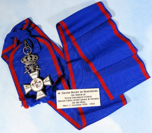 OLDENBURG - GRAND CROSS WITH SWORDS ON THE RING OF THE HOUSE AND SERVICE ORDER HERZOG PETER FRIEDRICH LUDWIG